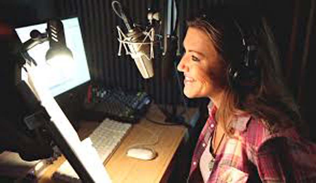 Spanish Voice Over Audio Services By Workplace Languages